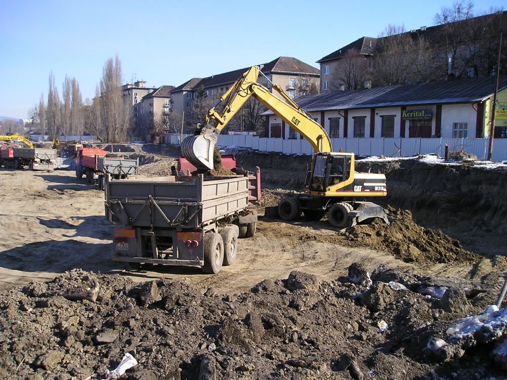 Výkopové práce na rôznych stavbách